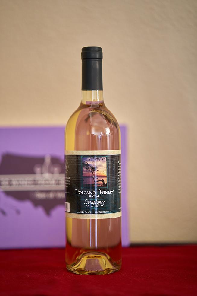 Volcano Winery Symphony Dry